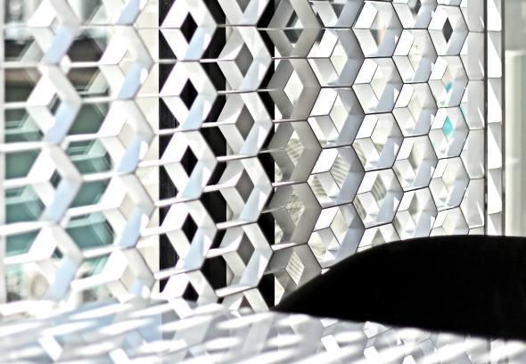 Light_screens_abc_restaurant_Architectkidd