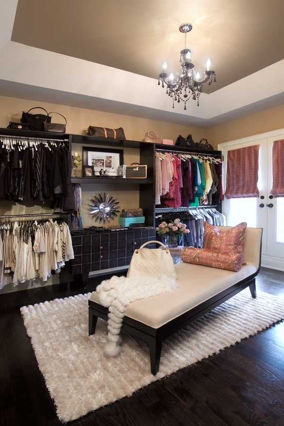 No matter if you're redecorating a child's or a master bedroom, having design ideas are helpful. 25 perfect and stylish walk-in-closets