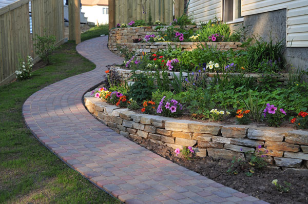25 Wonderful Examples of Terraced Front Yard Gardens on Terraced Front Yard Ideas id=99109