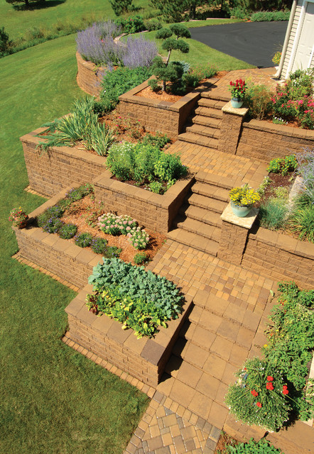 25 Wonderful Examples of Terraced Front Yard Gardens on Terraced Front Yard Ideas id=98725