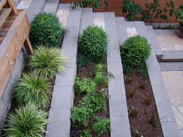 25 Wonderful Examples of Terraced Front Yard Gardens on Terraced Front Yard Ideas id=30112