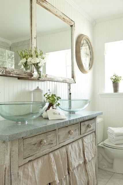 30 Adorable Shabby Chic Bathroom Ideas on Rustic:s9Dkpzirpk8= Farmhouse Bathroom  id=81375