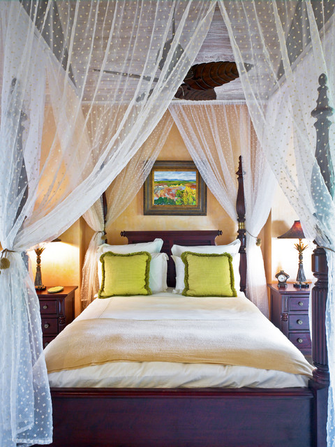 34 Dream Romantic Bedrooms With Canopy Beds