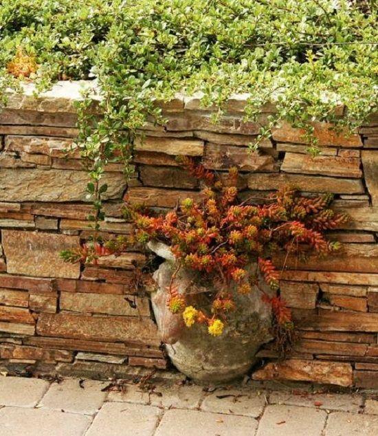 25 Incredible DIY Garden Fence Wall Art Ideas on Garden Patio Wall Ideas id=81033
