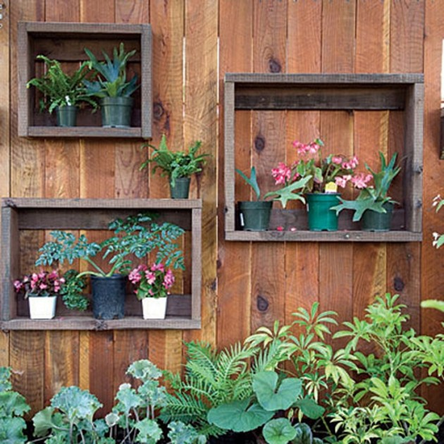 25 Incredible DIY Garden Fence Wall Art Ideas on Backyard Wall Decor Ideas  id=32637