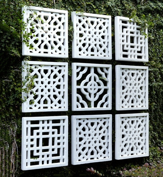 25 Incredible DIY Garden Fence Wall Art Ideas on Backyard Wall Decor Ideas  id=65374