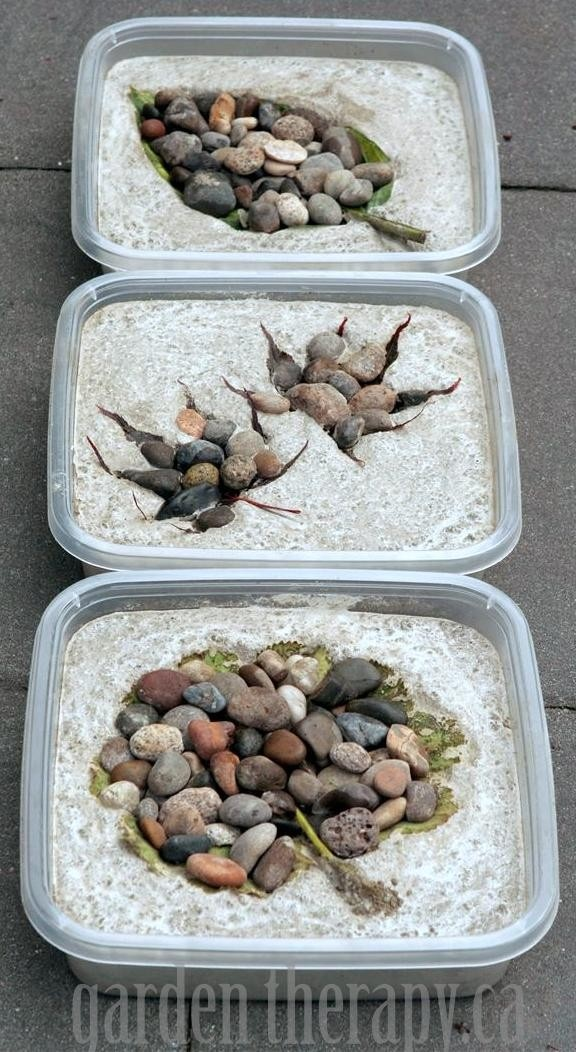 25 Amazing DIY Stepping Stone Ideas for your Garden on Stepping Stone Patio Ideas  id=26719