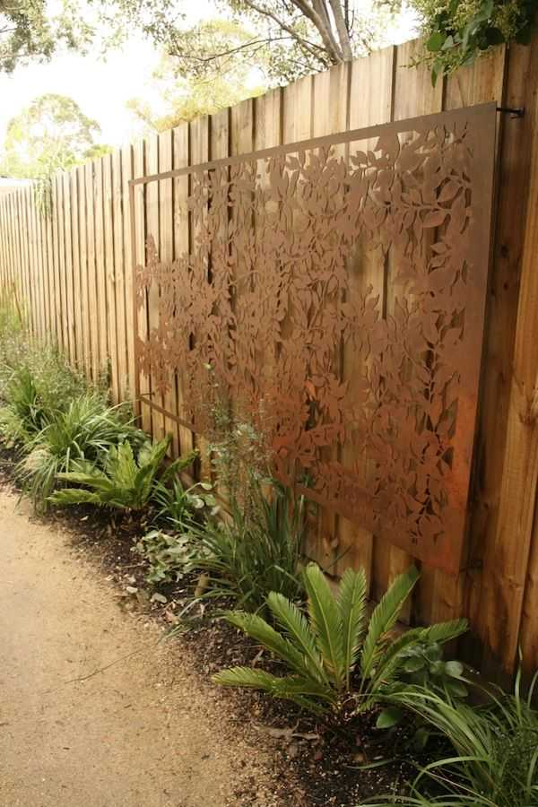 25 Incredible DIY Garden Fence Wall Art Ideas on Backyard Wall Decor Ideas  id=20762