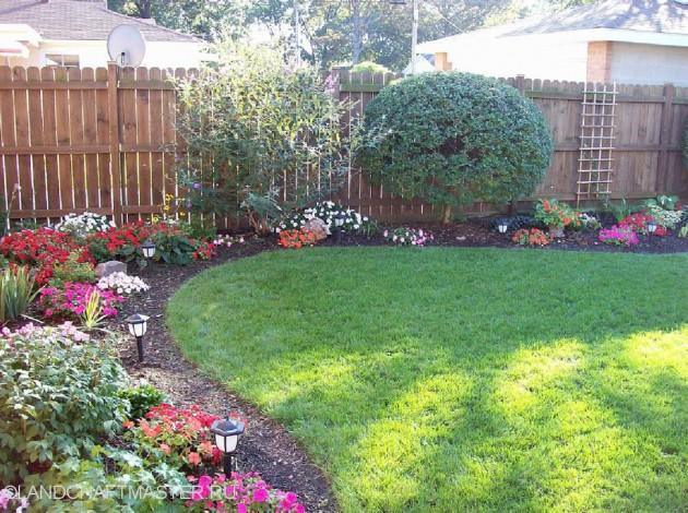 25 Inspirational Backyard Landscaping Ideas on Tiny Back Garden Ideas id=71048