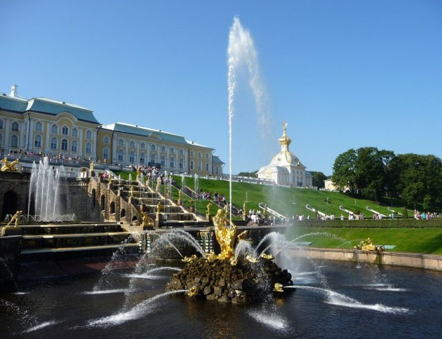 Top 10 Most Awesome Fountains Around The World