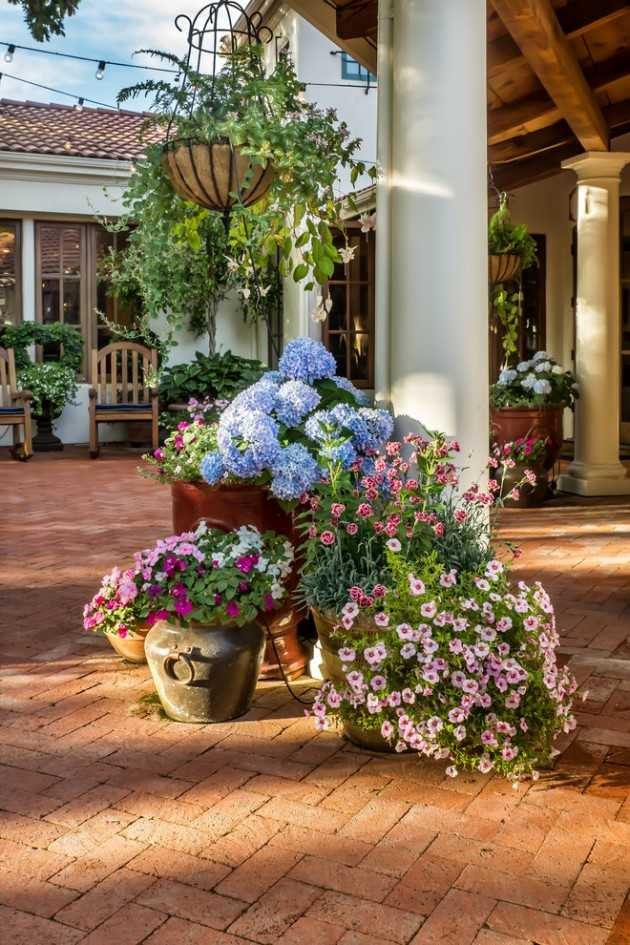15 Ideas For Your Garden From The Mediterranean Landscape ... on Small Mediterranean Patio Ideas id=38173