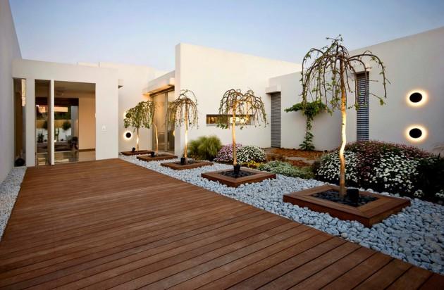 16 Captivating Modern Landscape Designs For A Modern Backyard on Modern Backyard Landscape Ideas id=45810