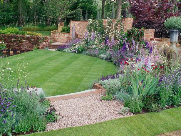16 Simple But Beautiful Backyard Landscaping Design Ideas on Beautiful Backyard Landscaping  id=14549