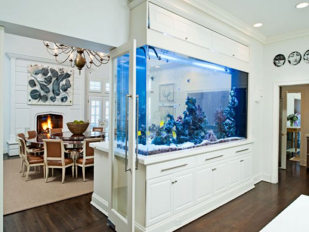 16 Truly Amazing Interiors With Fascinating Aquarium