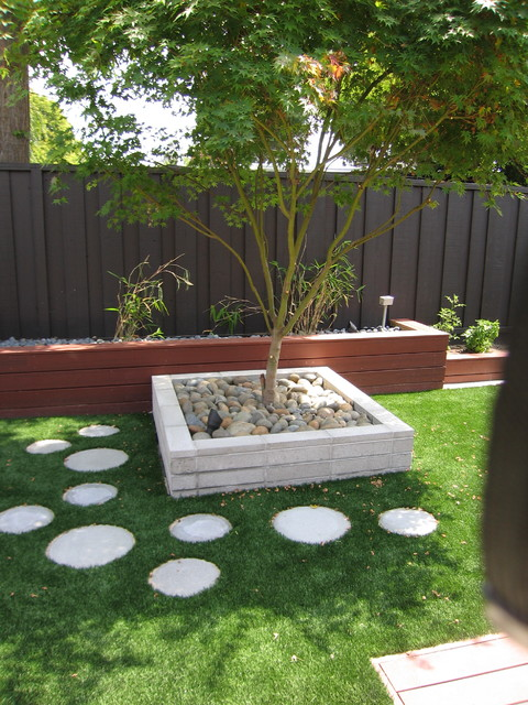 17 Creative Round Stepping Stone Designs For Your ... on Stepping Stone Patio Ideas  id=38085