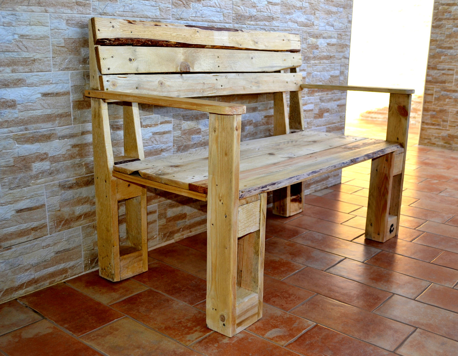 18 Remarkable Furniture Designs Made From Recycled Pallet Wood on Pallet Design  id=35328