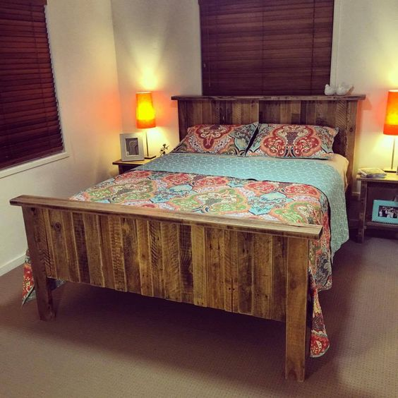 23 Really Fascinating DIY Pallet Bed Designs That Everyone ... on Pallet Bedroom  id=43136