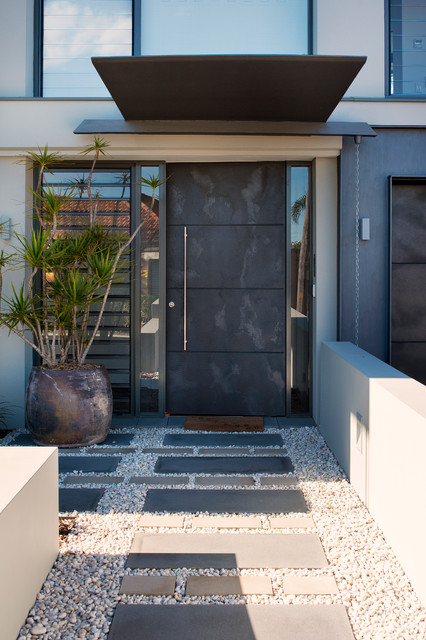 15 Irresistible Contemporary Entrance Designs You Won't ... on Modern Entrance Design  id=91661