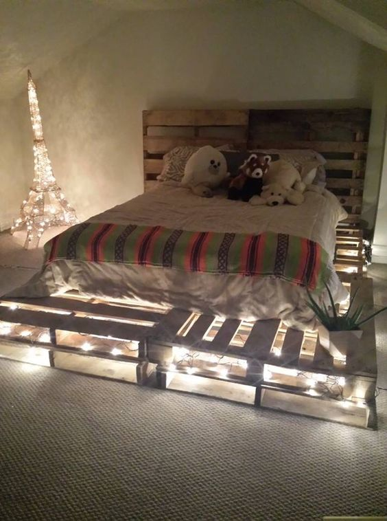 23 Really Fascinating DIY Pallet Bed Designs That Everyone ... on Bed Pallet Design  id=70379
