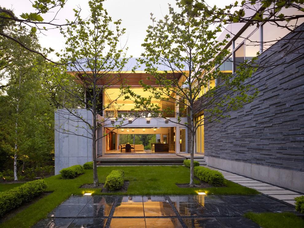 16 Delightful Modern Landscape Ideas That Will Update Your ... on Modern Backyard Landscape Ideas id=68666