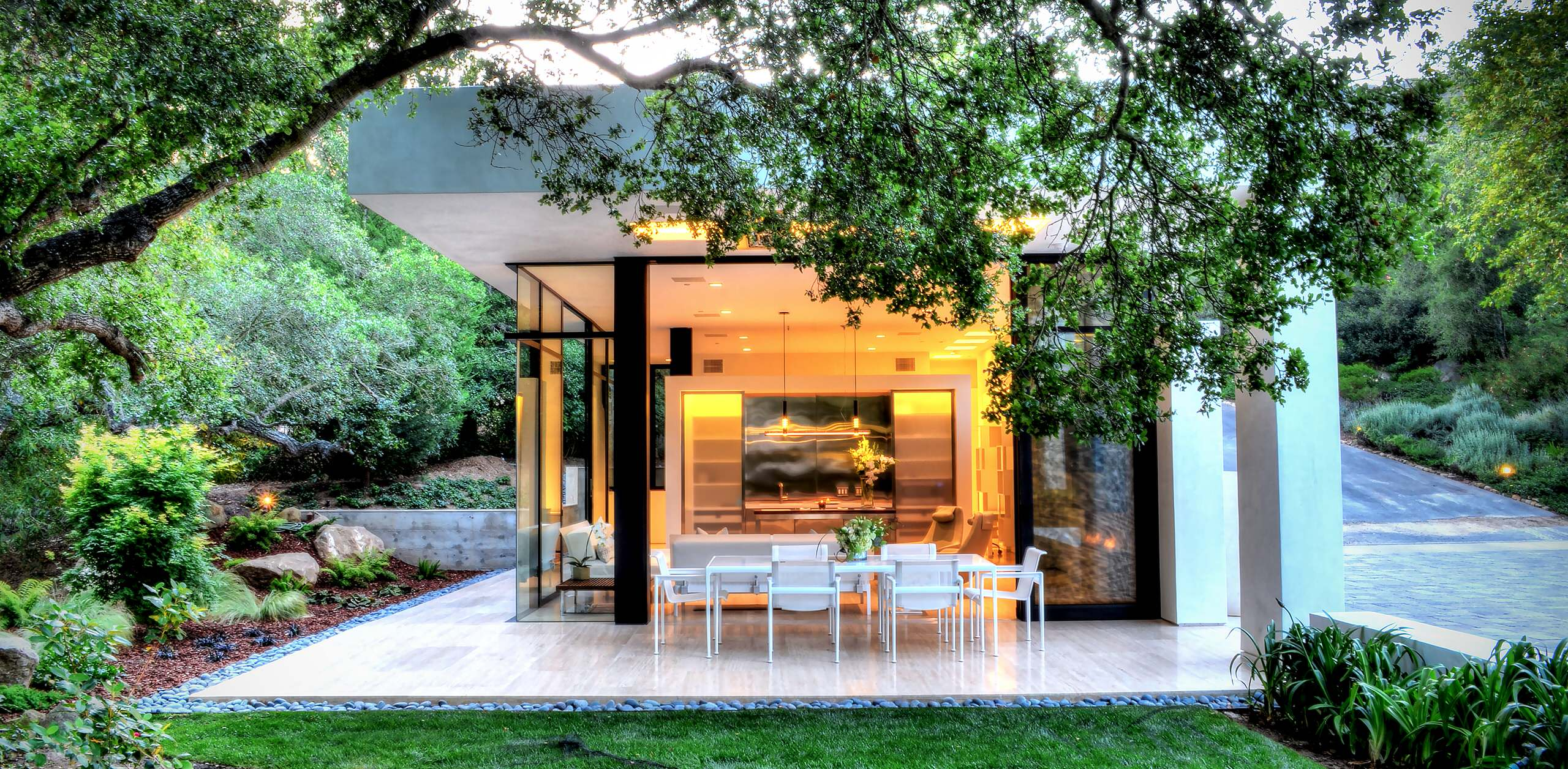 18 Spectacular Modern Patio Designs To Enjoy The Outdoors on Modern Small Patio Ideas id=61017