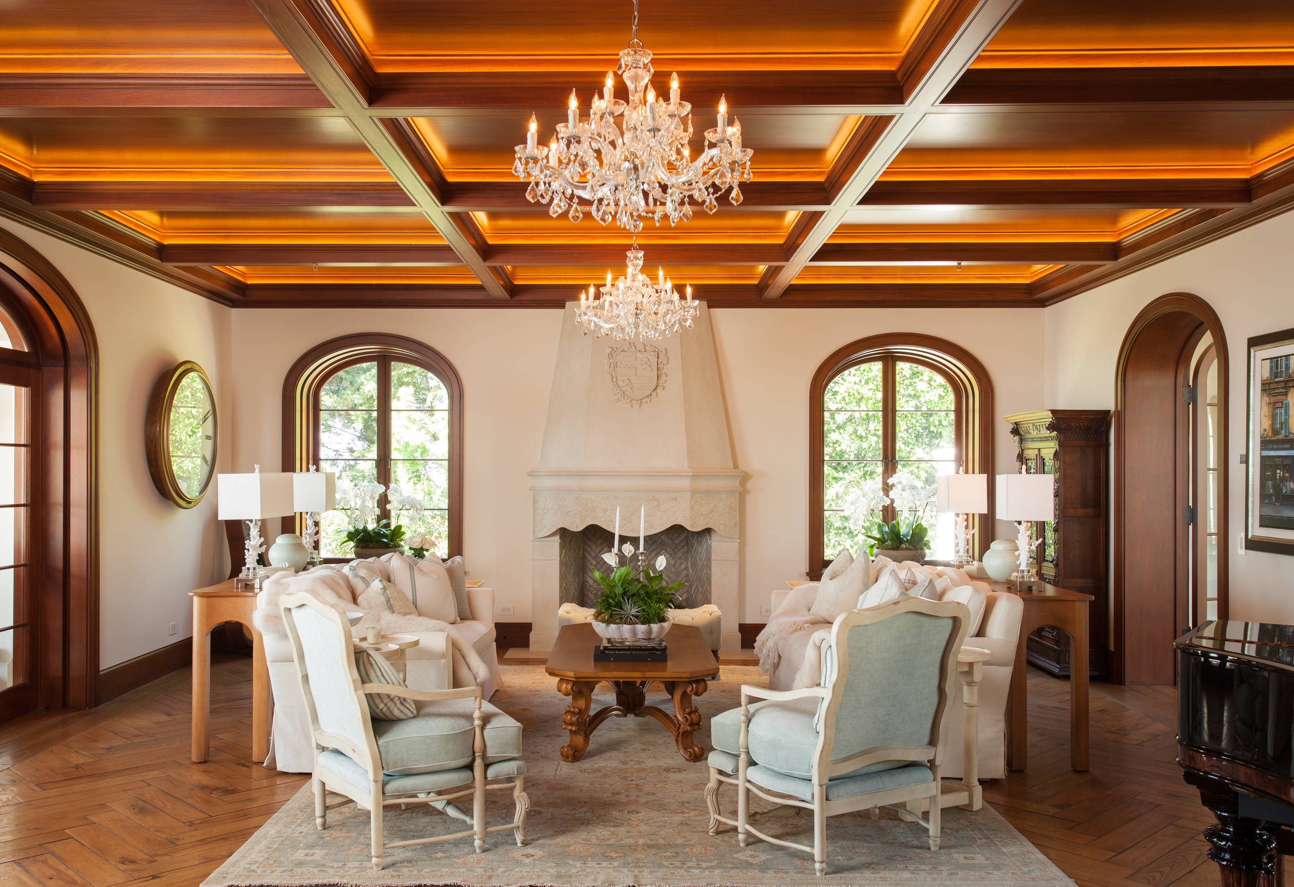 15 Beautiful Mediterranean Living Room Designs You'll Love on Living Room Style Ideas  id=93258