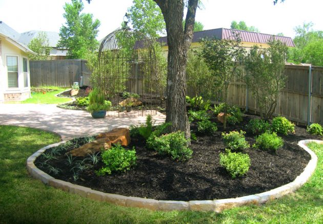15 Beautiful Ideas For Decorating The Landscape Around The ... on Backyard Landscaping Ideas With Trees id=13400