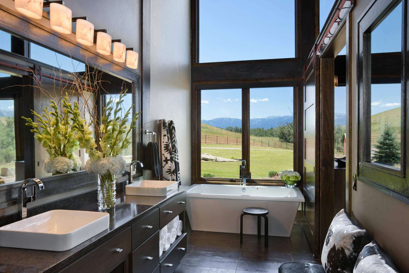 16 Fantastic Rustic Bathroom Designs That Will Take Your ... on Small:e_D8Ihxdoce= Restroom Ideas  id=46449