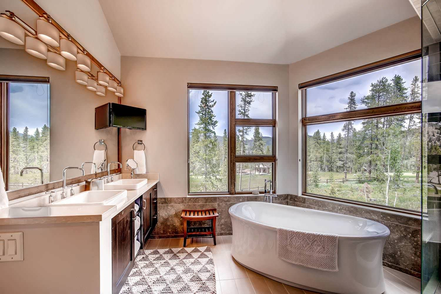 16 Fantastic Rustic Bathroom Designs That Will Take Your ... on Small:e_D8Ihxdoce= Restroom Ideas  id=50507