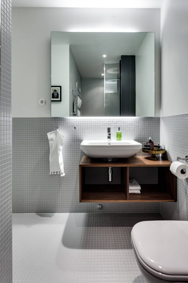 Toilet And Bath Design