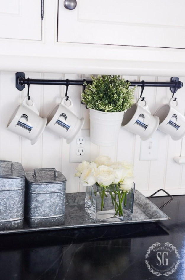 15 Incredible DIY Farmhouse Decor Ideas To Update Your ... on Rustic:1Gdhjdx6F3G= Farmhouse Kitchen  id=67421