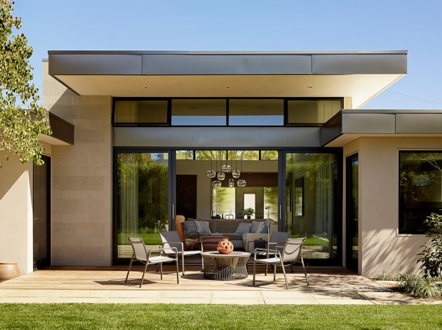16 Extraordinary Mid-Century Modern Patio Designs You'll ... on Mid Century Modern Patio Ideas id=77250