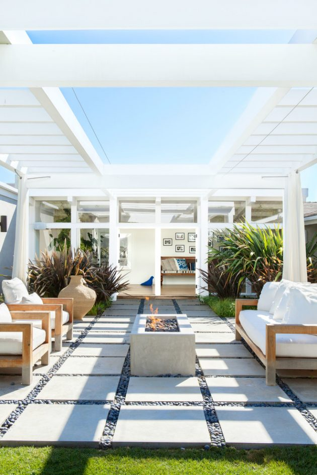 15 Startling Contemporary Patio Designs For Your Backyard on Modern Small Patio Ideas id=49307