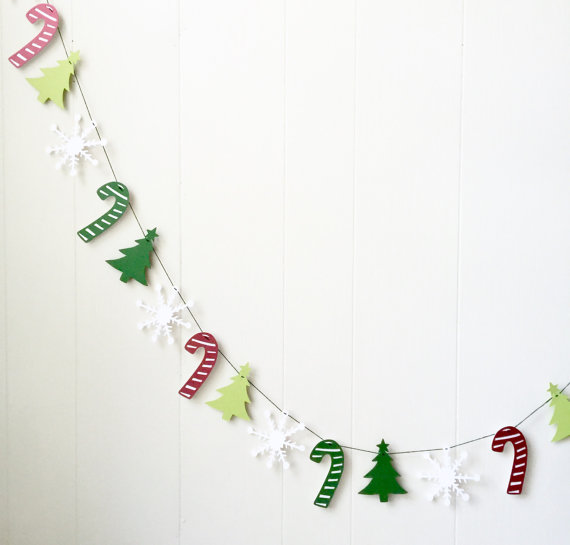 15 Fabulous Handmade Christmas Garland Designs To Brighten Up Your Photos