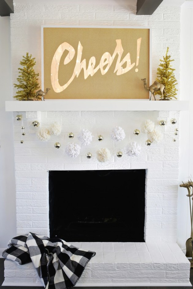 16 Lovely DIY Christmas Mantel Decor Ideas You Must See