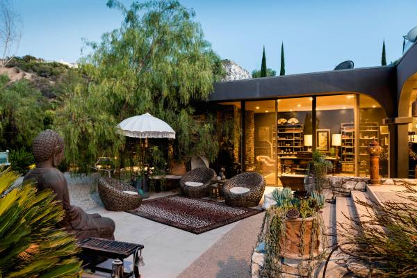 outdoor patio design 17 Sophisticated Asian Patio Designs You'll Obsess Over
