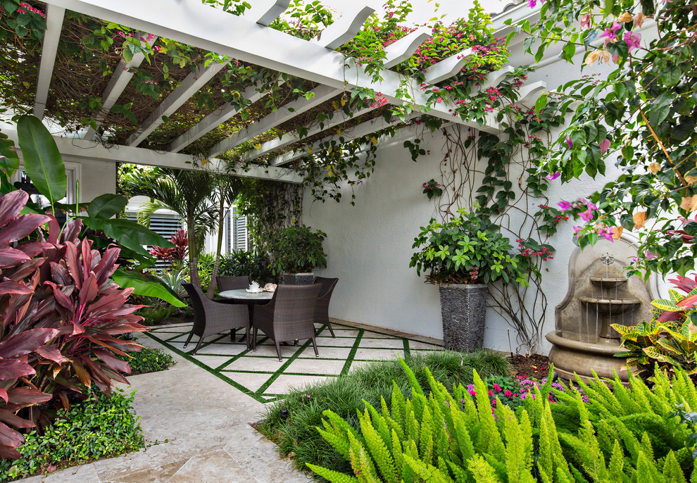 15 Picturesque Tropical Patio Designs You Will Absolutely ... on Tropical Small Backyard Ideas id=84101