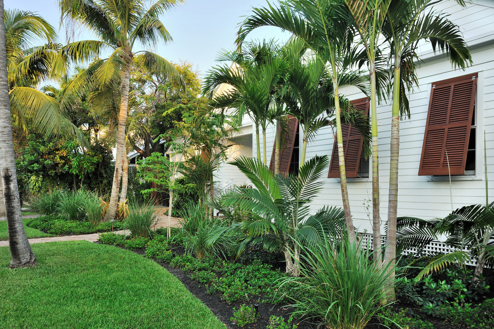 15 Stunning Tropical Landscape Designs That Know How To ... on Tropical Landscaping Ideas For Small Yards id=47469