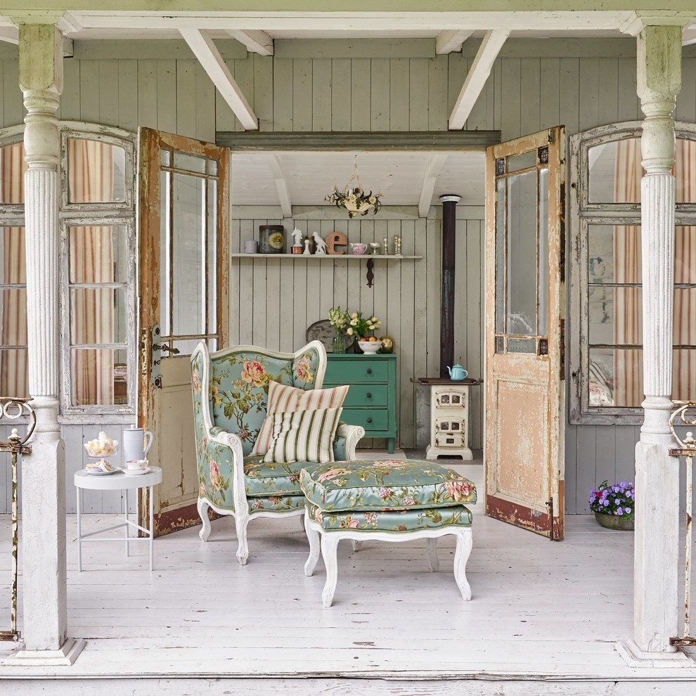 I chose tones of off white to brown to move my decor thru fall and winter. 18 Magnificent Shabby Chic Porch Designs That Are Too Cute To Pass Up