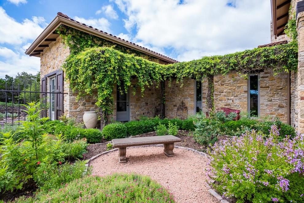 18 Breathtaking Farmhouse Landscape Designs You'll Wish To ... on Farmhouse Backyard Landscaping id=46348