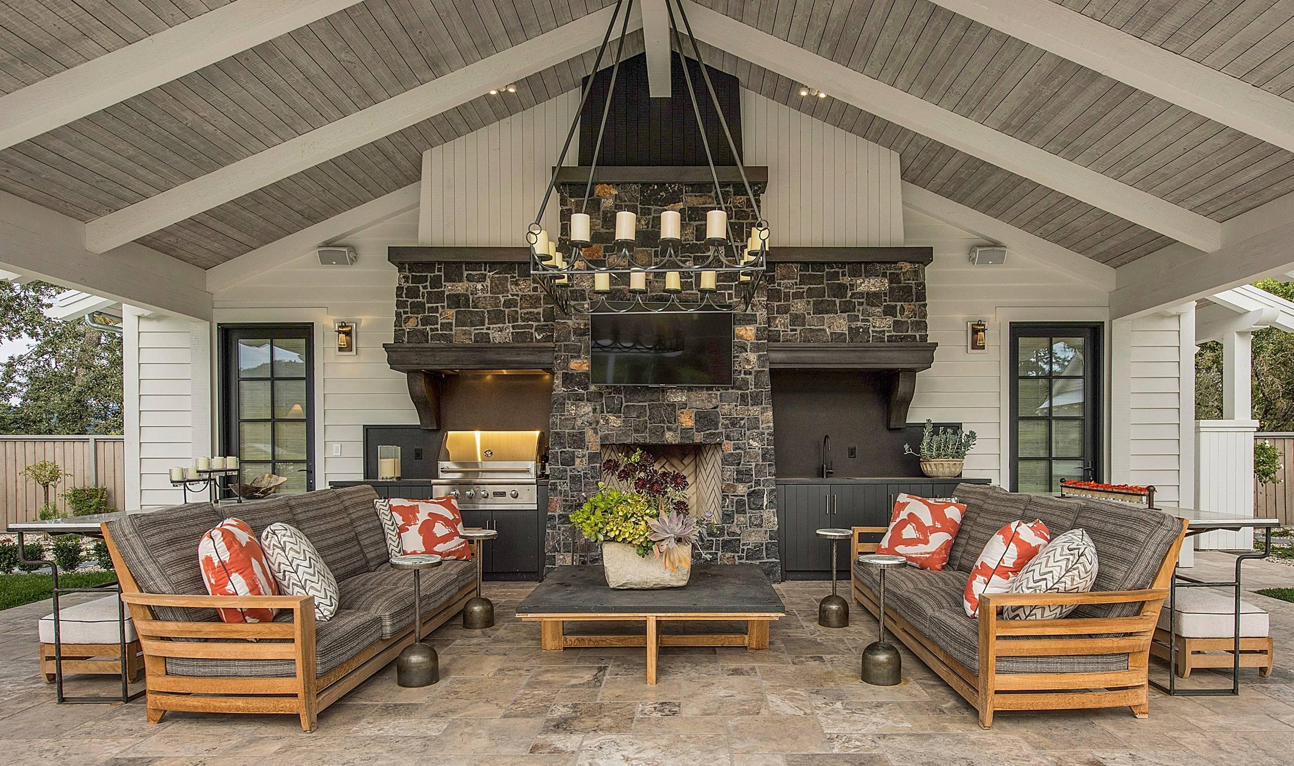 17 Dazzling Farmhouse Patio Designs You Need On Your Deck