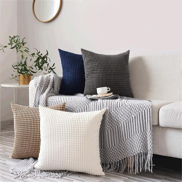 Rahat Bir Atmosfer İçin 15 Güzel Kış Yastık Tasarımı