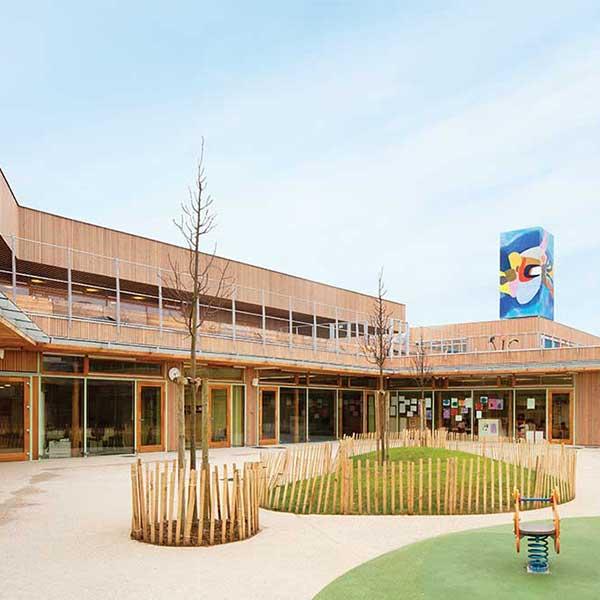 Cour intérieure du groupe scolaire bois Pasteur © R2K / Holzbau Amann / Gaujardtechnologie scop