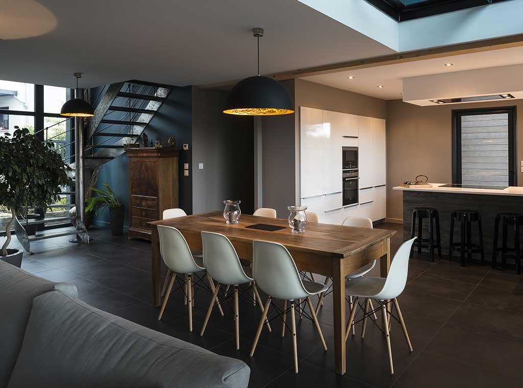 ,reportage-architecturebois-maison-dossier-kit-habitat-wood-house-bois-fenetre-rt2012-scmc
