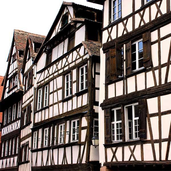 maison bois classique en alsace