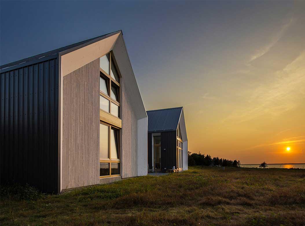 reportage-architecturebois-maison-dossier-kit-habitat-wood-house-bois-fenetre-rt2012-canada-oosaturebois-jumelles-8