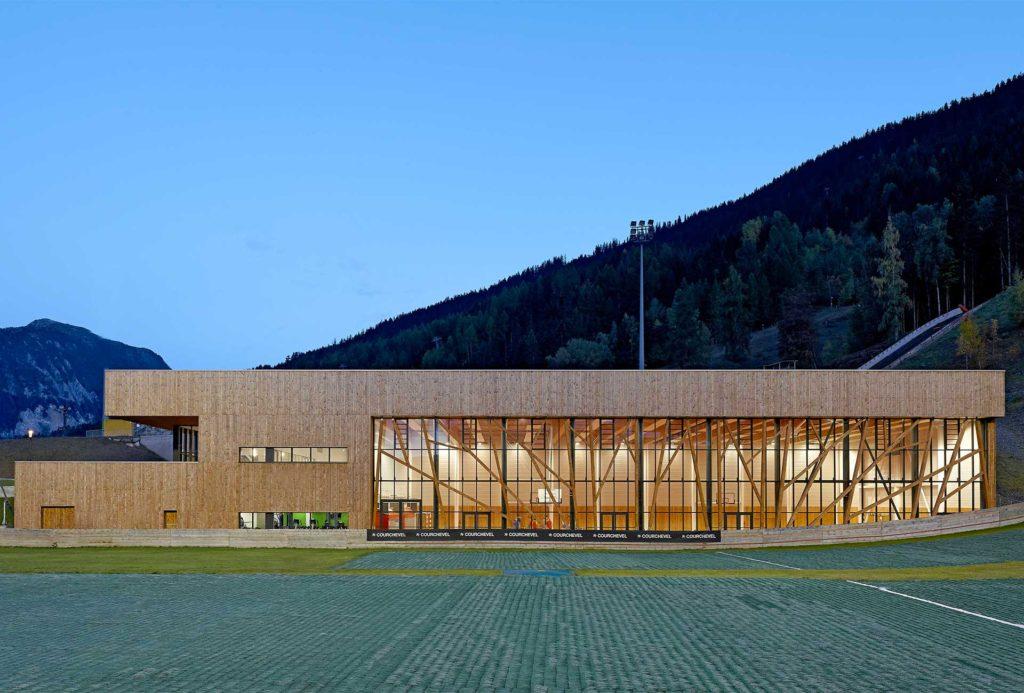 Complexe Sportif en bois à Courchevel