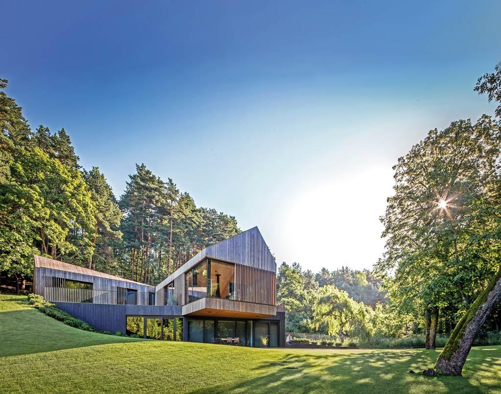 maison bois en Lituanie aux résonances baroques