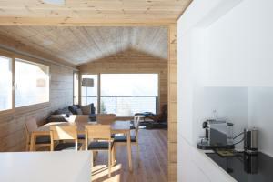 maison double en bois en Suisse - Kontio