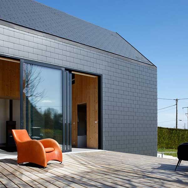 terrasse en bois d'une maison bois conçu par  Lode Architecture